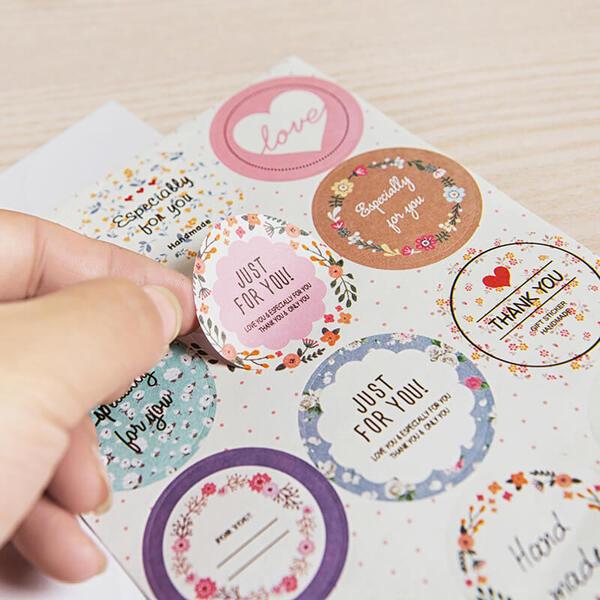 In decal dán tại Hà Nội dạng Sticker
