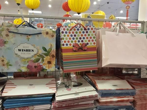 Giấy couche được sử dụng phổ biến trong ngành công nghiệp in túi thân thiện với môi trường